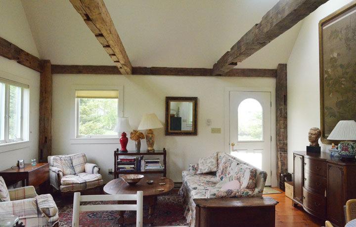 Guest House_Livingroom_3